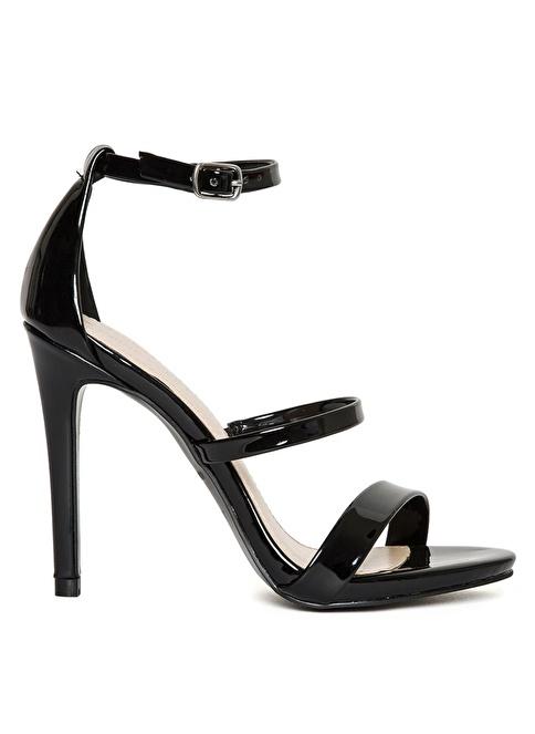 Nine West İnce Topuklu Sandalet Siyah